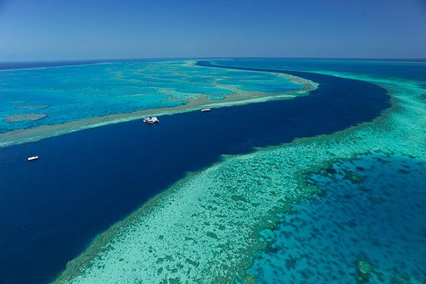 Hamilton Island villa mercedes great barrier reef