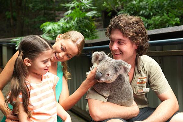 Hamilton Island villa mercedes family holiday