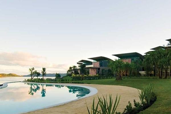 hamilton island beach villa luxury getaway holiday home